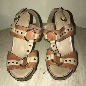 Jessica Simpson leather heal w/gold studs size 7